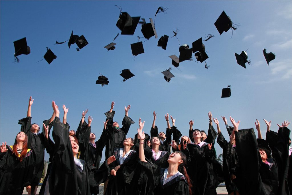 https://pixabay.com/en/university-student-graduation-photo-1872810/