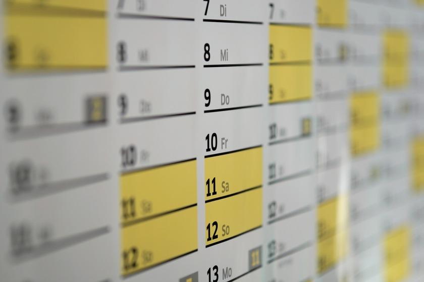 https://pixabay.com/en/calendar-wall-calendar-days-date-1990453/