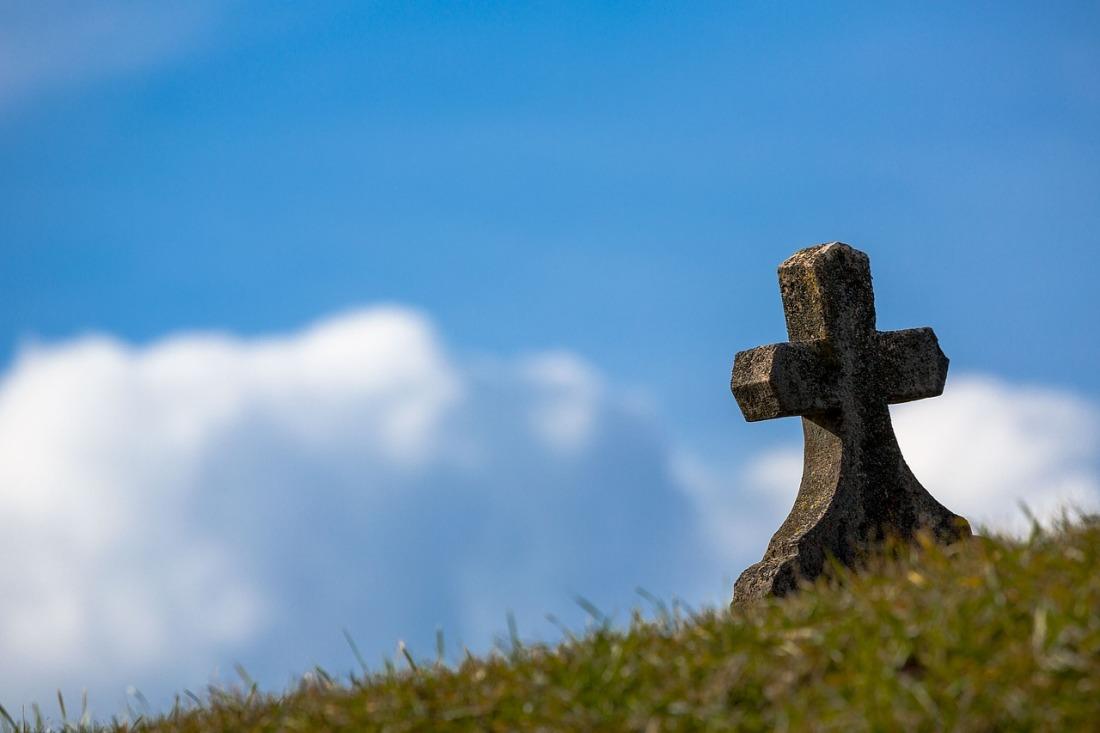 https://pixabay.com/en/grave-sky-cross-old-stone-heaven-674443/